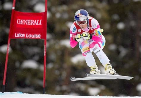 Lindsey Vonn Wins First World Cup Race in Nearly Two Years