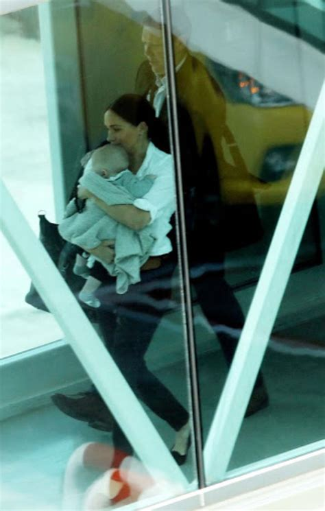 Meghan Departs Cape Town with Archie - Meghan's Mirror