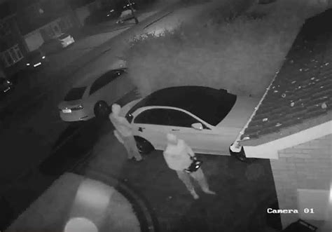 New car theft technique: Thieves use 'relay attack' to